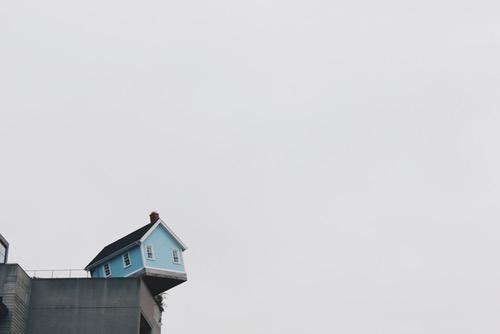 Hus på top af bygning